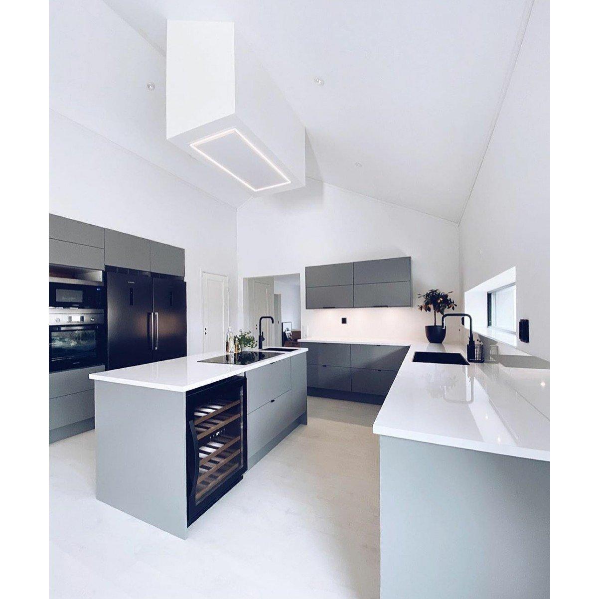 Premium line tak integrerad köksfläkt Swedluxury Pure vit  |linjär LED belysning